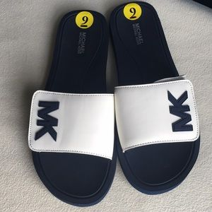 NWT Michael Kors Slides with Velcro, size 9
